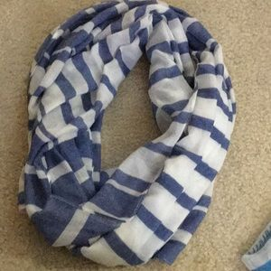 NY&co. Blue and white long scarf